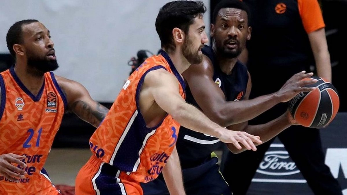 Fenerbahçe EuroLeague'de Valencia'ya yenildi