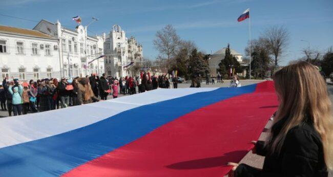 Putin: Kırım'da referandum kararını bölgede Donbass senaryosunun tekrarlanmaması için aldık